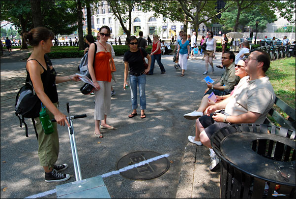 Eve engages New Yorkers in her art project